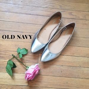 Old Navy Silver Metallic Pointy Toed Flats Sz 9